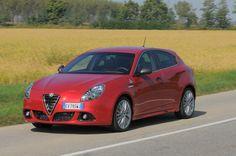 Prova Alfa Romeo Giulietta scheda tecnica opinioni e dimensioni 1750 Turbo 240 CV Quadrifoglio Verde TCT