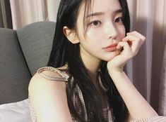 Find images and videos about girl, cute and beautiful on We Heart It - the app to get lost in what you love. Pretty Korean Girls, Pretty Asian, Son Hwamin, Ulzzang Girl Selca, Hwa Min, Uzzlang Girl, Korean Girl Fashion, Grunge Girl, Guys And Girls