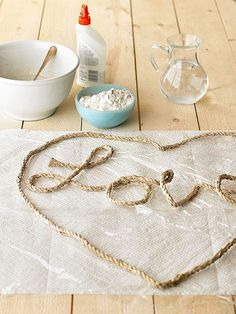 DIY Rope art using wire, rope, and glue/cornstarch/flour Twine Crafts, Cup Crafts, Arts And Crafts, Sisal, Rope Rug, Round Balloons, Elmer's Glue, Creative Decor, Cool Patterns