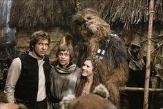 110 photos rares du tournage de Star Wars - Star Wars Ewok - Ideas of Star Wars Ewok - 110 photos rares du tournage de Star Wars Star Wars Ewok, Star Wars Cast, Star Trek, Images Star Wars, Star Wars Pictures, Crazy Pictures, Luke Skywalker, Starwars, Series Dc