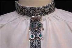 Bilderesultat for svartsøm Folk Costume, Costumes, Norway Viking, Russian Folk Art, Fjord, Going Out Of Business, Dame, Sewing Crafts, Textiles
