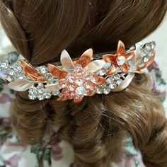 NWOT Hair Fashion Accessories Clip Fancy Flower Details in Silver & Peach Pattern Ladies Hair Clip Accessories