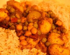Chickpea-and-potato-curry-recipe. Subbing green lentils for green peas