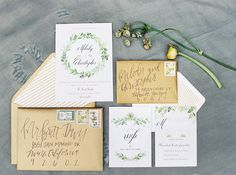 Leafy green wedding invitation suite | Noi Tran Photography