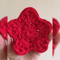 🌟 feita com o fio de malha da @euroromaoficial ❤️😍 #arteiricespormalearaujo #fiodemalha #croche #crochet #instacrochet #estrelas #natal #enfeitesdenatal