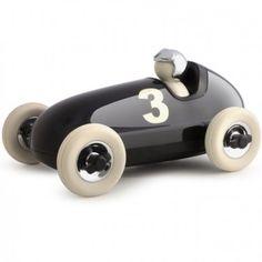Une voiture Playforever: un jouet de qualité au design époustouflant !