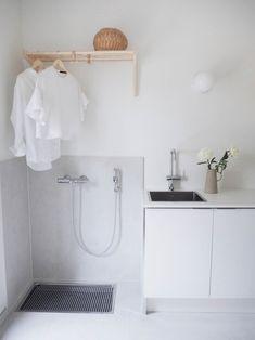 Classy Scandinavian Laundry Room Design Ideas 22 home Laundry Decor, Small Laundry Rooms, Laundry Room Design, Laundry In Bathroom, Laundry Area, Küchen Design, House Design, Design Ideas, Interior Design Living Room