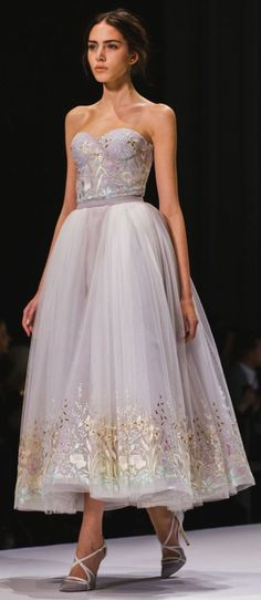 "vogue-is-viral: "" cleoprxda the look is from Ralph & Russo Couture Spring Our wonderful contributor fashion-choices figured it out! In the future if you cant track down what show a look is. Evening Dresses, Prom Dresses, Formal Dresses, Bridesmaid Dress, Dresses 2016, Dress Prom, Beautiful Gowns, Beautiful Outfits, Beautiful Images"