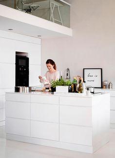 http://www.boligliv.dk/indretning/indretning/cool-loftstil-familieliv-i-fabrikken/