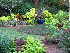 #Florida #Garden #Circle Garden  Hoe and Shovel: Delicious Autumn