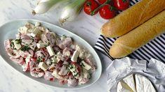 """Co si budeme povídat, saláty zkuchyně našich maminek nebyly úplně """"light"""". Jednu zhlavních složek často tvořila majonéza, vlepším případě octová zálivka. Já ale čas od času zhřeším apodobný retro salát si ráda kvečeři připravím. Apěkně sbílým rohlíkem. Dietáři odpustí... Potato Salad, Potatoes, Keto, Chicken, Ethnic Recipes, Potato, Cubs"""