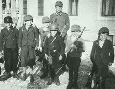 Les derniers combattants du Fürher.....
