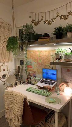 Indie Room Decor, Cute Room Decor, Indie Bedroom, Room Design Bedroom, Room Ideas Bedroom, Bedroom Inspo, Study Room Decor, Pretty Room, Cozy Room