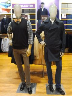 Wow, Kurt and Blaine mannequins in this store! SOMEONE DID THAT ON PURPOSE! =O This is awesome.