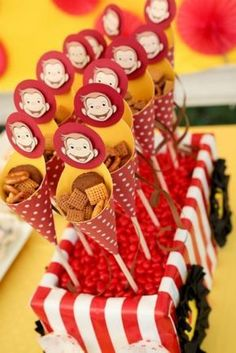 Throwing a Curious George themed birthday party? Click through this awesome slideshow to view the details on how this party came together! Curious George Party, Curious George Birthday, Monkey Birthday, Baby Birthday, Birthday Book, Movie Party, Party Time, Kaya, 3rd Birthday Parties