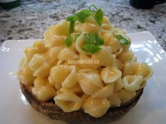 Easy cheesey mac and cheese filled roasted portabello mushroom bowls Use rice pasta to make this GF! Gf Recipes, Home Recipes, Free Gf, Gluten Free, Stuffed Portabello Mushrooms, Rice Pasta, How To Make Cheese, Simple Pleasures, Macaroni And Cheese