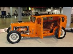 1932 Ford 4 Door Highboy Sedan Custom Hot Rod at World of Wheels - My Car Story with Lou Costabile Custom Muscle Cars, 1932 Ford, Street Rods, Car Show, Exotic Cars, Cool Cars, Hot Rods, Chevy, Antique Cars