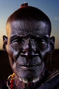 What a powerful face! Captured by Brent Stirton, Photojournalist - South #Africa :: #faces