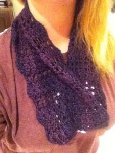 Easy Peasy crochet Cowl - free pattern from createcrochet.