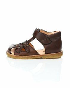 Angulus 5213 – Sandals – Brown Higher ankle? Starter sandal - not beyond 24