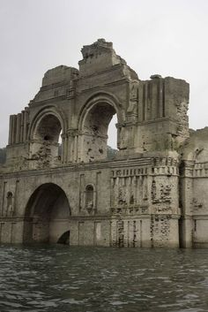 Il Tempio di Quechula in Messico riemerge dalle acque a causa di una forte siccità (FOTO)
