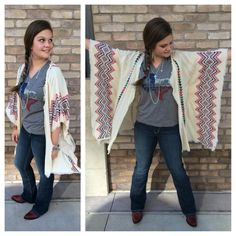Lovin' our new #Awesome #Texas tee, layered up with our new tribal print #komono ! #ootd #fallfashion #sothread #atx — at Southern Thread @ The Domain.