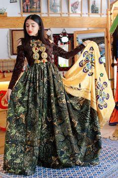Afghan Clothes, Afghan Dresses, Albanian Wedding, Fashion Dresses, Bohemian, Sari, Vintage, Style, Fashion Show Dresses