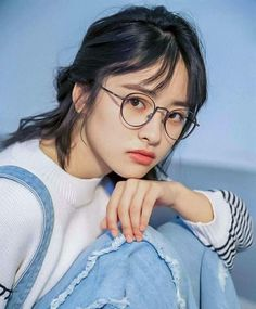 Image about girl in Shen Yue by marti on We Heart It Meteor Garden Cast, Meteor Garden 2018, Dramas, Gilbert And Anne, A Love So Beautiful, Fashion Background, Cute Actors, Girls With Glasses, Aesthetic Photo