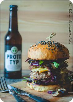 Burger mit Champignons, Portweinzwiebeln und Honig-Whiskey-Mayo| Kleiner Kuriositätenladen