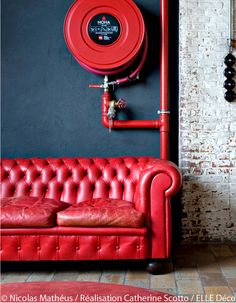 Red Interior Colors Adding Passion and Energy to Modern Interior Design WG? Red Interior Colors Adding Passion and Energy to Modern Interior Design Red Interior Design, Home Design, Design Hotel, Luxury Interior, Design Design, Red Interiors, Colorful Interiors, Interior Inspiration, Design Inspiration