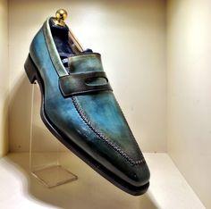 A visit to a Parisian men's shoe store by Om Malik (Storehouse)