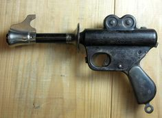 Buck Rogers XZ-31 (1934) Very first toy ray gun ever produced.
