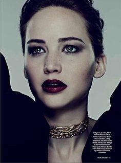 Jennifer Lawrence  choker
