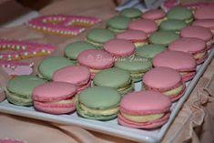 Bucataria Irinei...: Macarons cu zmeura, macarons cu menta Cupcake Cakes, Cupcakes, Cake Hacks, Sweets Recipes, Macaroons, Mousse, Goodies, Ice Cream, Cooking
