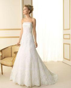 147 TESIS / Wedding Dresses / 2013 Collection / Luna Novias