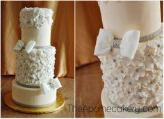 White wedding cake. Gumpaste flowers. Gumpast bow. www.apothecakery.blogspot.com