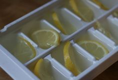 OLIO ‏ hours ago Have leftover lemons? Instead of wasting them, make lemon ice cubes to keep any drink cold & fresh! Get Healthy, Healthy Life, Healthy Living, Healthy Recipes, Lemon Ice Cubes, Health And Wellness, Health Tips, Health Fitness, Bebidas Detox