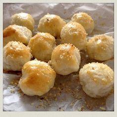 Bei so einem Wetter kann man nur mit einem süßen Rezept in die Woche starten - hier unsere süßen Blätterteigkugeln. http://ift.tt/1NPSjrd - http://ift.tt/1Ku8h61