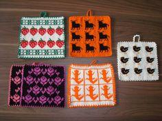 Blandat Crochet Kitchen, Crochet Home, Knit Or Crochet, Fair Isle Knitting Patterns, Tea Cozy, Kitsch, Pot Holders, Diy And Crafts, Presents