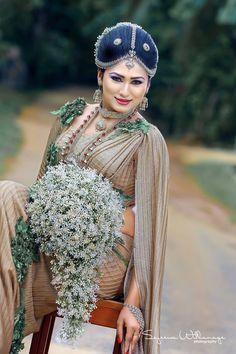 Sri Lankan fashion Bridal Dress Design, Bridal Style, Saree Wedding, Wedding Attire, Designer Wedding Dresses, Bridal Dresses, Srilankan Wedding, Bridesmaid Saree, Blush Gown