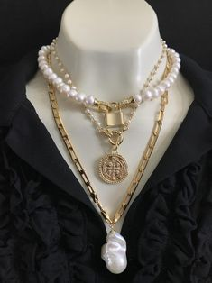 Excited to share the latest addition to my shop: Pearl Gold Chain Necklace with Large Gold Medallion Pendant; gifts for her; Pink Jewelry, Dainty Jewelry, Pearl Jewelry, Jewelry Necklaces, Pearl Necklaces, Jewlery, Pearl Chain, Gold Chain Choker, Gold Coin Necklace