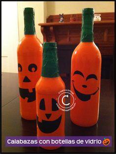 Calabazas con botellas de vidrio para Halloween. | Reusa botellas de vidrio y decóralas para este Halloween! Dale click al link para ver cómo hacerlas => http://creativaofficial.com/calabazas-con-botellas-de-vidrio/