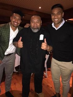 Julian Savea (@juliansavea7) | Twitter Rugby Players, Samoan Men, Super Rugby, All Blacks, Twins, Road Trip, Husband, Couple Photos