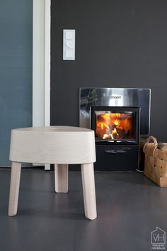 Plektra Kaupallinen yhteistyö: Iittala Tästä alkaa tulla jo tapa, että joka syksy odotan innolla Iittala Interior -sarjan uutuustuotteita. Vakka-laatikot, Aitio-hyllyt ja Lantern sekä Leimu-valaisimet ovat… Home, Wood, Home Appliances, Wood Stove