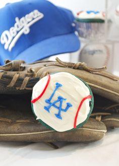 Dodger Blue Velvet Cupcakes   flavor the moments