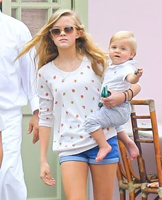 Ava Phillippe held on to her brother, Tennessee Toth on Oct.19,2013