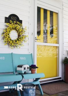 yellow_front_door_bench Decorating Small Spaces, Porch Decorating, Seasonal Decor, Holiday Decor, Door Paint Colors, Home Decor Inspiration, Color Inspiration, Decor Ideas, Pergola Designs