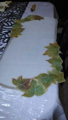 Hojas de otoño.  Pintura en tela