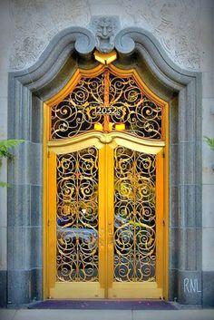 golden yellow and gray frame art nouveau door Grand Entrance, Entrance Doors, Doorway, Cool Doors, Unique Doors, Art Nouveau, Knobs And Knockers, Door Knobs, Casa Retro