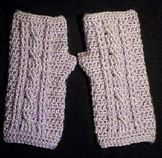 Ravelry: Cable Wrist Warmer Pattern pattern by Julee Reeves